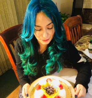 DIY Ombre Hair Colouring - blue and green hair