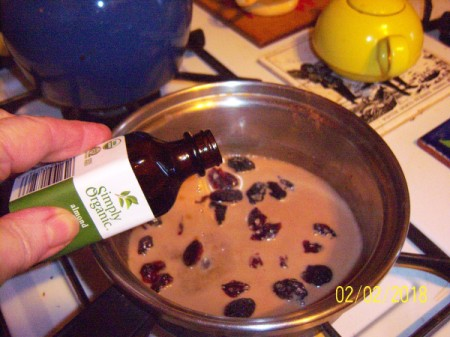 adding vanilla extract to Oatmeal Pudding