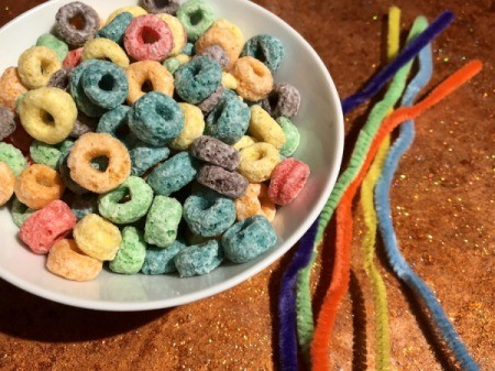 Heart-Shaped Cupcake Topper - cereal and pipe cleaners