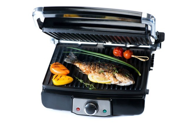Electric Tabletop Grill With Fish And Veggies George Foreman