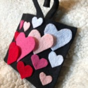 No-Sew Gradient Felt Heart Purse - finished purse