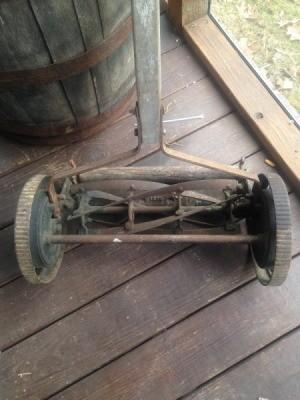 Value of a Peerless Reel Mower - old mower