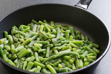 Frozen Green Beans in a Skillet
