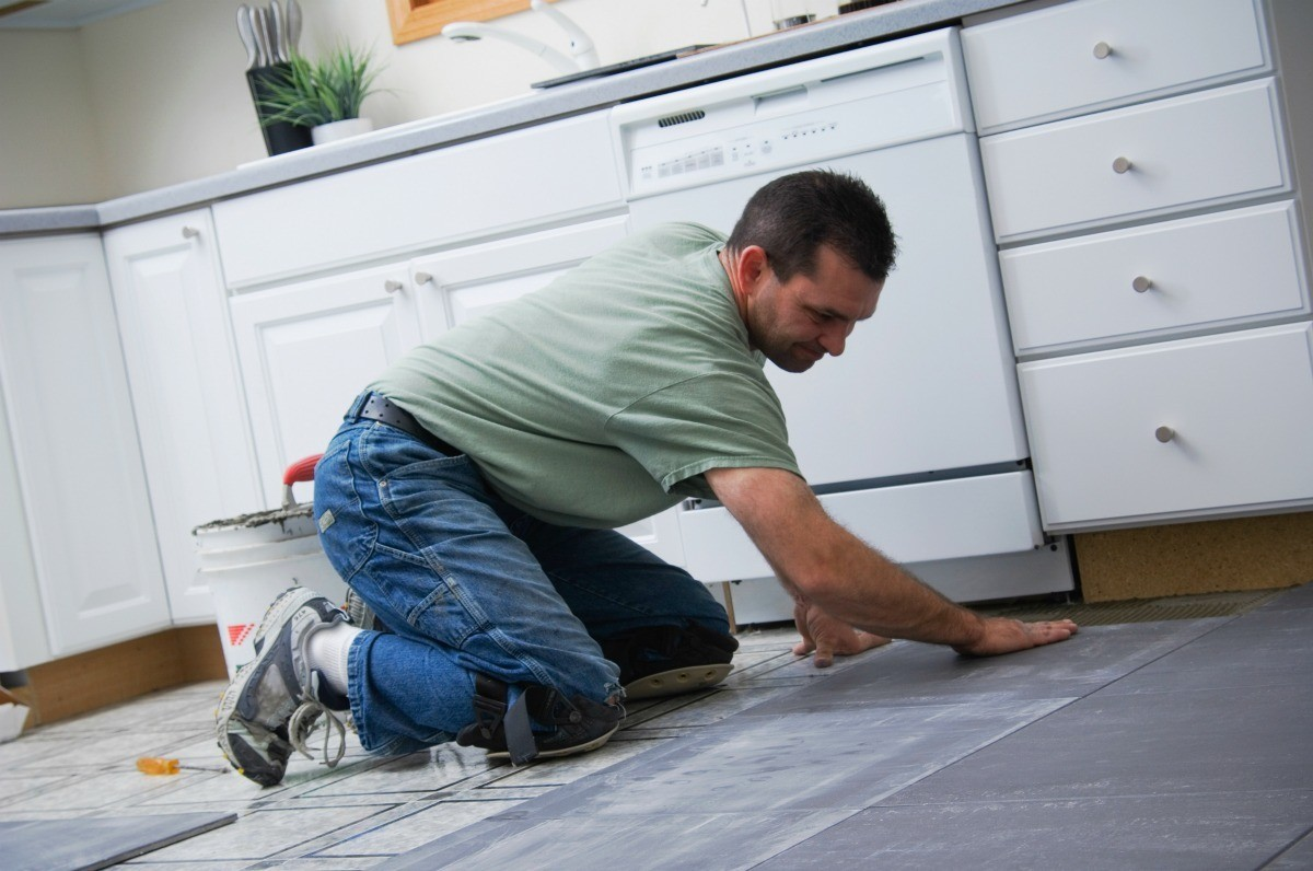 How To Remove Vinyl Tiles From A