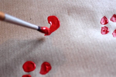 Make Your Own Wrapping Paper - curved line for heart