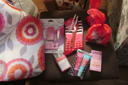 Having a Big Girls' Slumber Party - contents of gift bags