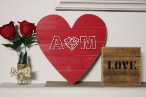Wood Lovers' Initials String Art - finished heart on mantle