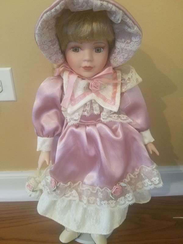 Value Of Heritage Porcelain Dolls Thriftyfun