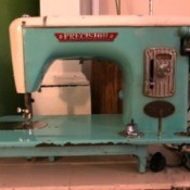 Manual for a Deluxe Precision Model 25 Sewing Machine