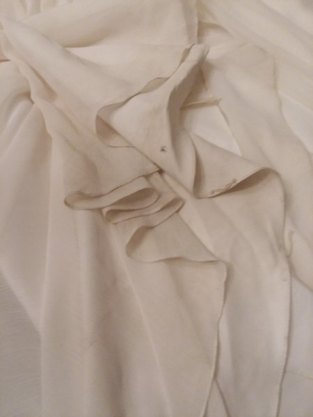 Cleaning a wedding dress thriftyfun for Wedding dress stain removal