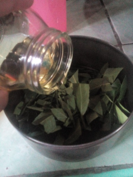 Make Your Own Essential Oil - put leaves in a heat resistant bowl