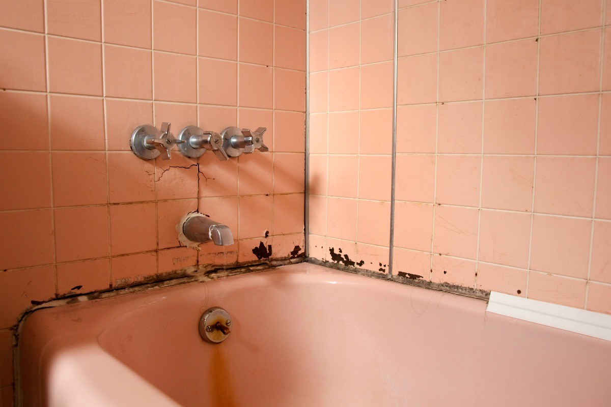 How Long Does Caulking Take To Dry In A Bathroom black spots on shower caulking | thriftyfun