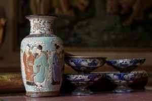 Chinese ceramic vase and bowls.