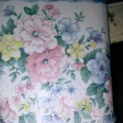 Imperial Wallpaper Border - blue topped floral border with a scalloped bottom