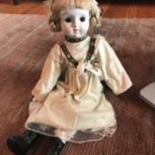 Identifying a Porcelain Doll - older doll