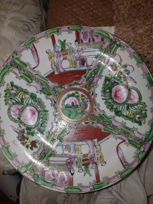 Value of a Rose Medallion Plate - decorative plate made in Macou
