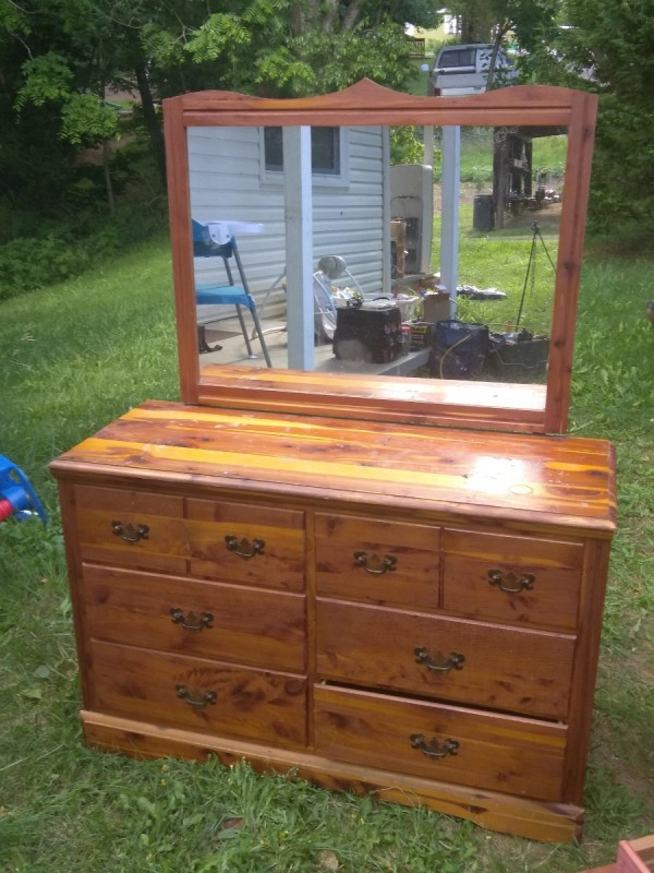 Finding the Value of Antique Murphy\'s Furniture | ThriftyFun
