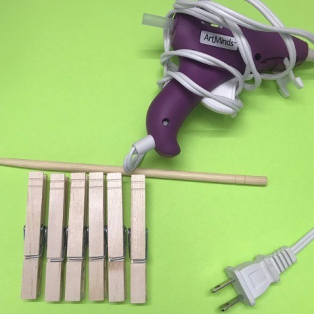 Mini Wooden Clothespin Easel - supplies