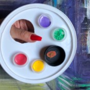 Homemade Paint Palette - paint palette made from recycled lids