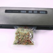 Large Vacuum Sealer sealing food