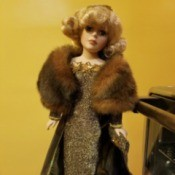 Identifying a Dandee Doll - doll wearing evening dress with a ful stole.