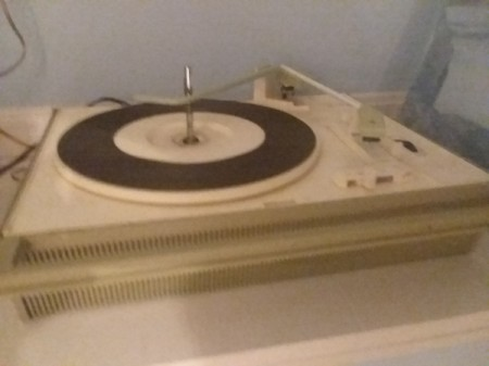 Value of a Zenith Solid State Portable Record Player