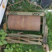 Value of a Coldwell Excelsior Putting Green Mower  - antique reel mower