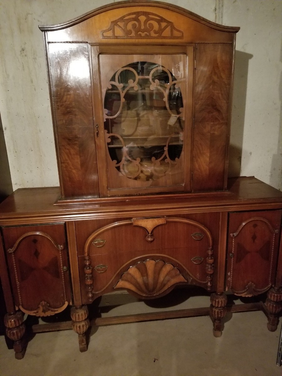 Is There A Market For People Who Want To Refurbish Furniture Will Pay Nominal Amount The Piece Since They Would Need Refinish It