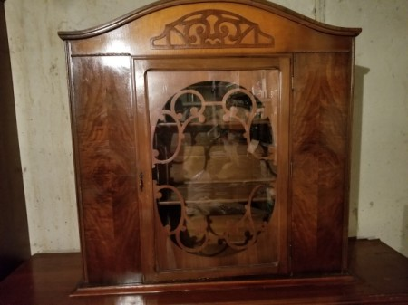 Selling Antique Furniture That Needs Refinishing