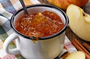 Cinnamon Applesauce Jello in a mug.