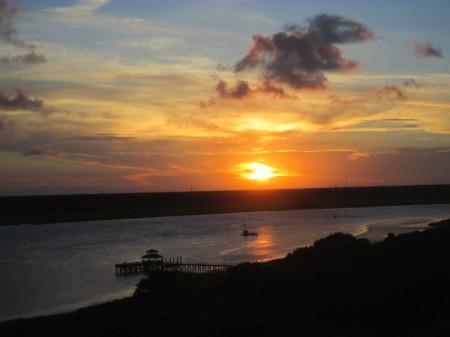 Sunset in Charleston, South Carolina - sunset over a lake