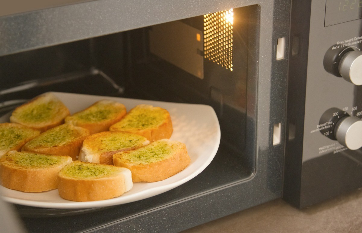 Reheating Bread In The Microwave Thriftyfun