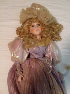 Identifying a Porcelain Doll - closeup of doll