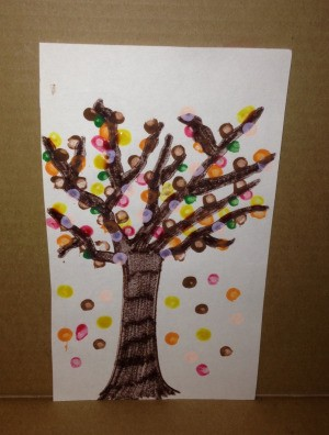 Q-Tip Painted Fall Trees - tree with falling leaves