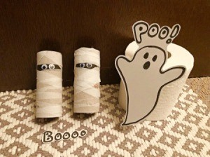 Fun Halloween Bathroom Decor - mummies and ghost