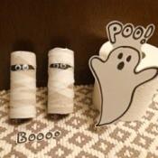Fun Halloween Bathroom Decor - mummies and ghost