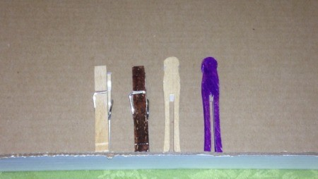 Clothespin Turkey Magnets and Place Card Holders - paint or color the pins with markers if desired