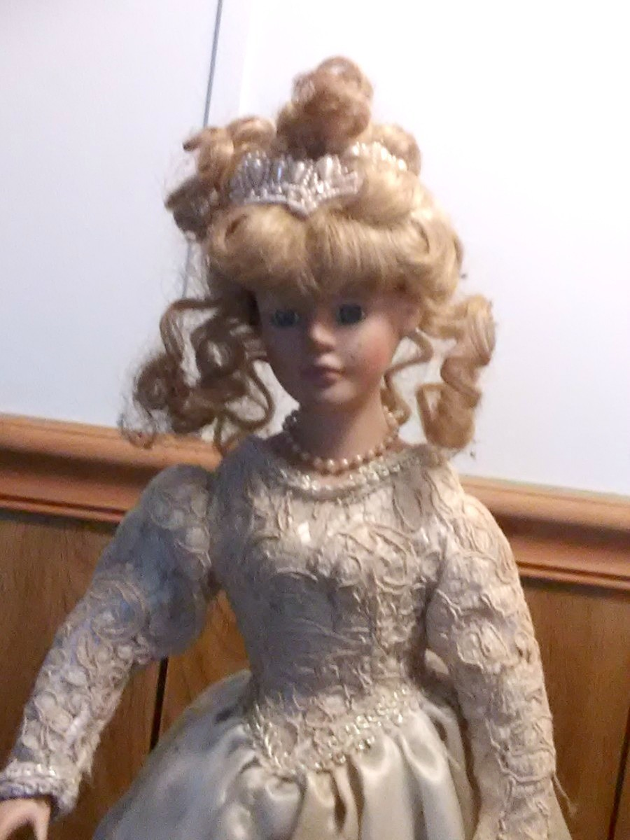 Value of Collectors Choice Porcelain Dolls  ThriftyFun