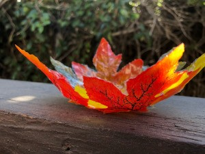 Autumn Leaves Centerpiece - finished leaf bowl