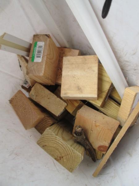 Making Accordion Christmas Trees - wooden block scraps