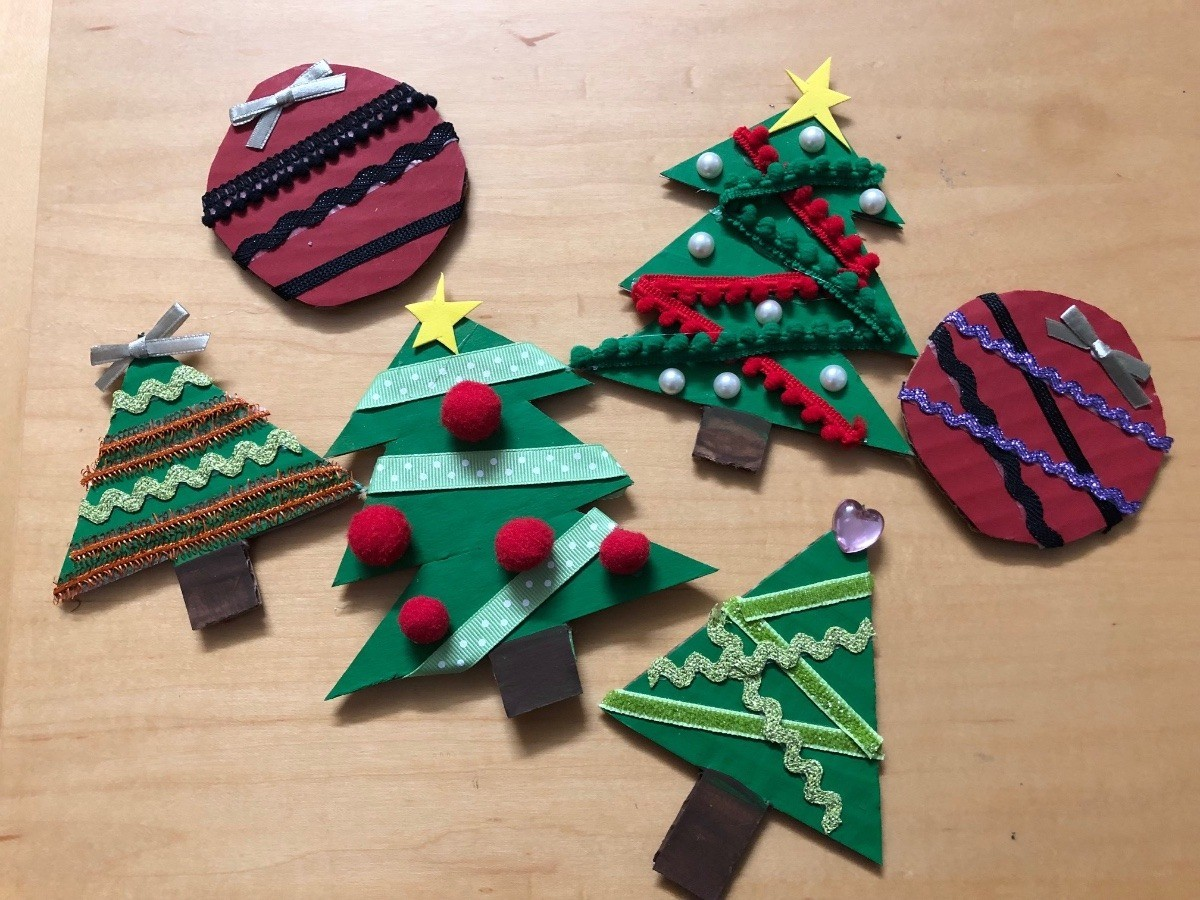 Making Christmas.Making Christmas Decorations From Recycled Cardboard