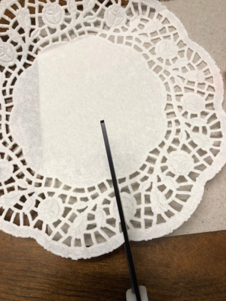 Christmas Tree Decor Sign - cutting doily