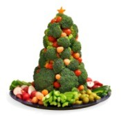 Christmas tree made with veggies.