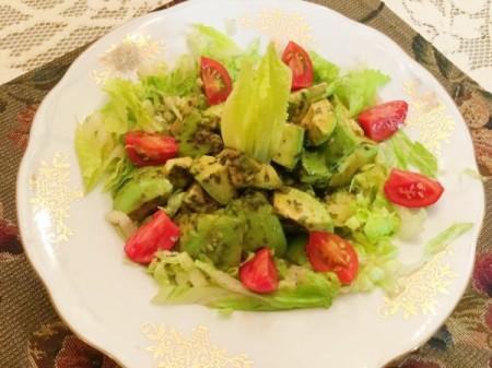bowl of Tarragon Soy Avocado on lettuce