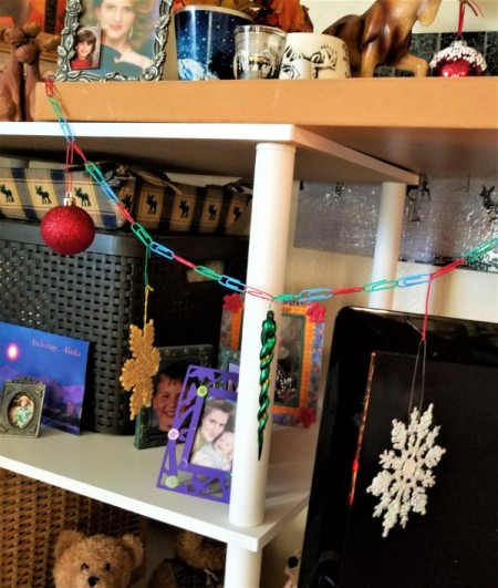 Garland Made from Dollar Tree Paperclips - balls, snowflake and icicle ornaments on the garland