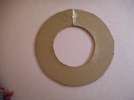 Mini Wreath Ornament - glue the cut