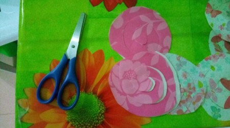 "Floral ""LOVE"" Valentine Decoration - cut the spirals out"