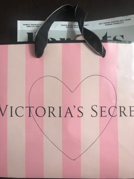 Repurpose Victoria's Secret Shopping Bag for Valentine's Day - slip a magazine inside