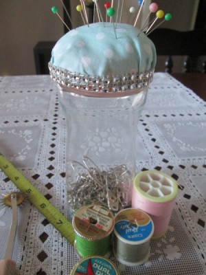 Double Duty Pin Cushion - finished project with straight pins in cushion and safety pins in the container
