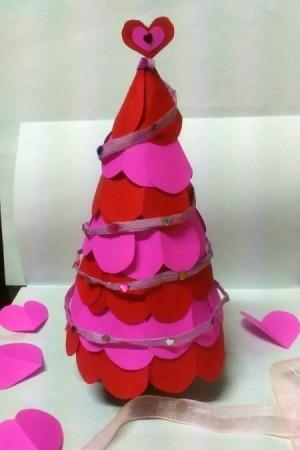 Making a Paper Valentine Tree - Valentine tree